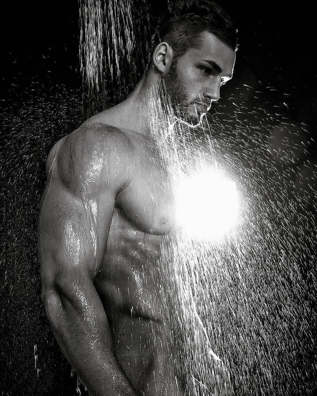Nicolasgomezfitnessmodel Men Shower Online Photo Editing Figure Photo Belles Images Guy
