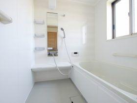 専門業者に学ぶ トイレ 風呂の掃除術 頑固な汚れを落とす10の裏技