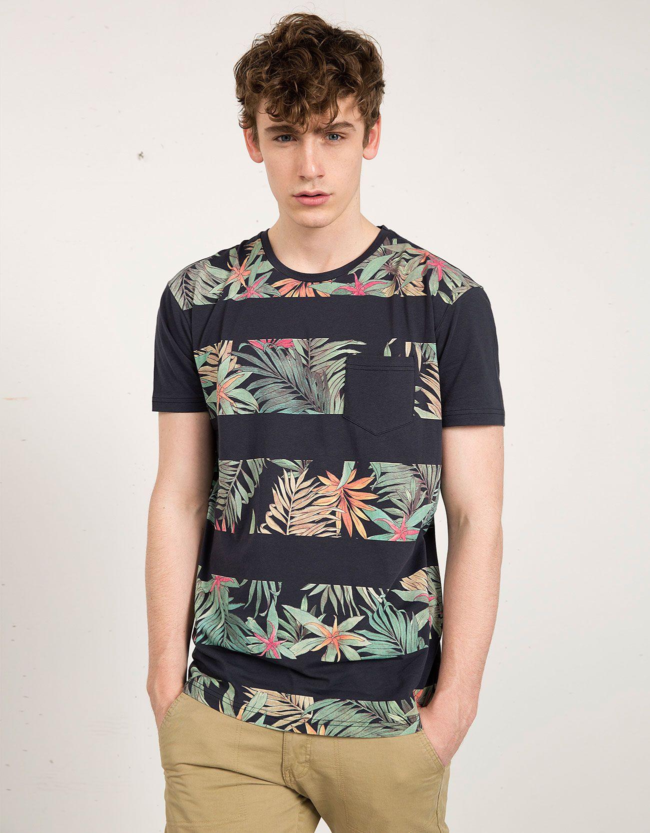 T-shirt flores e riscas - Homem - Bershka Portugal  1b7c833bd23
