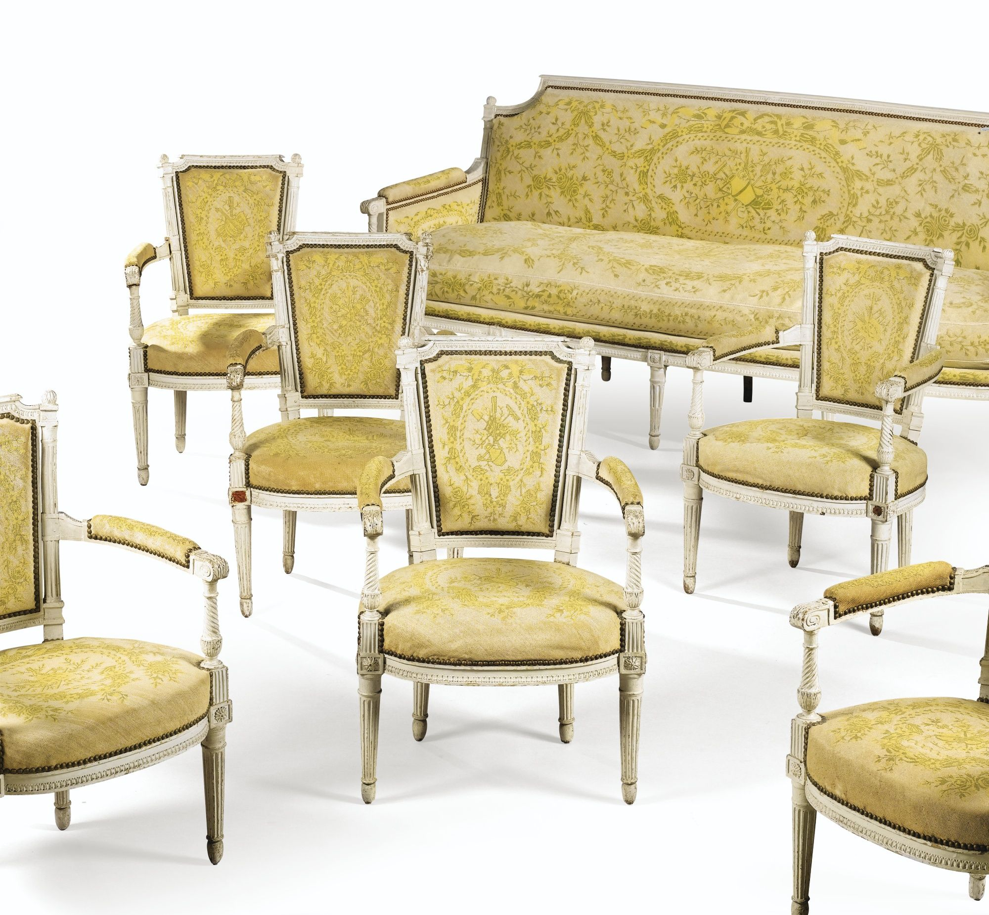Date Unspecified A Set Of Six Cream Painted Armchairs And One Sofa Stamped Royer A Troyes Directoire Estimate 4 000 6 000 Eu Fauteuil Bois Mobilier Canape