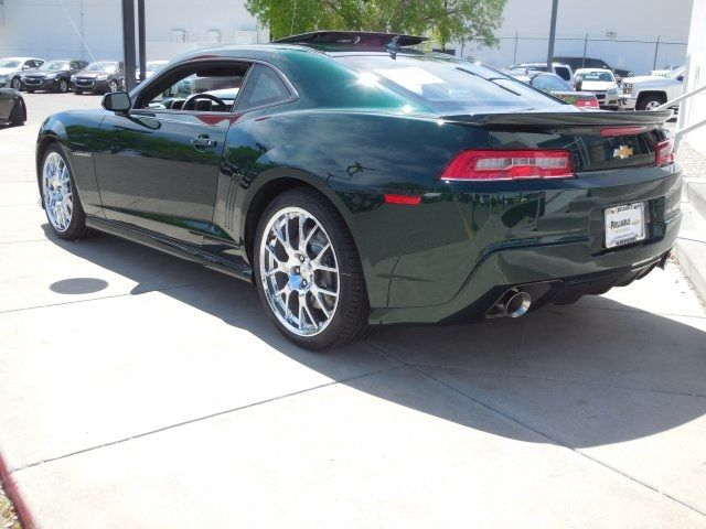 2015 Chevrolet Camaro 2ss In Emerald Green I Will Have This One Day Hopefully Sooner Than Later Camaro 2ss Camaro Chevrolet Camaro