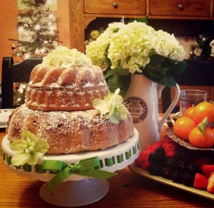 Coffee Cake Wedding Cake Wedding Pinterest Brunch Wedding