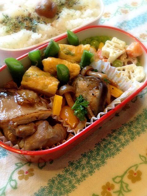 鶏肉のマーマレード焼き・卵焼き・ナスとベーコン、シメジのトマト煮・マカロニサラダ - 18件のもぐもぐ - 鶏肉のマーマレード焼き弁当 by tomo