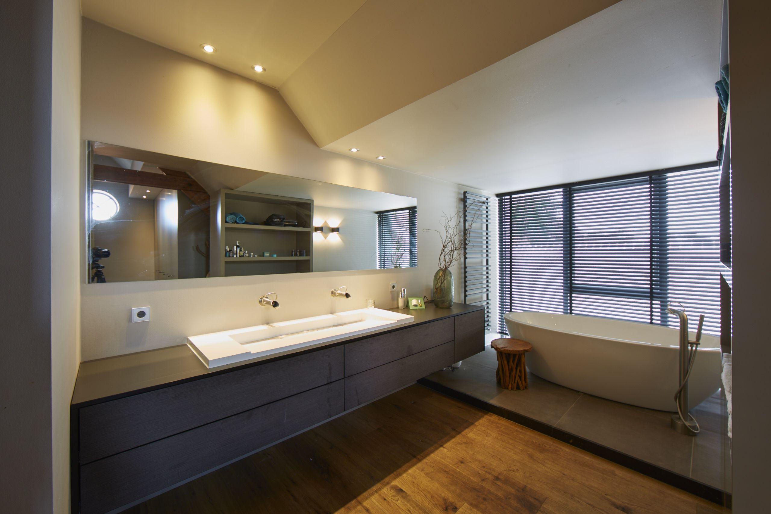 High end bathroom   Scheffer Badkamers leverde en installeerde het ...