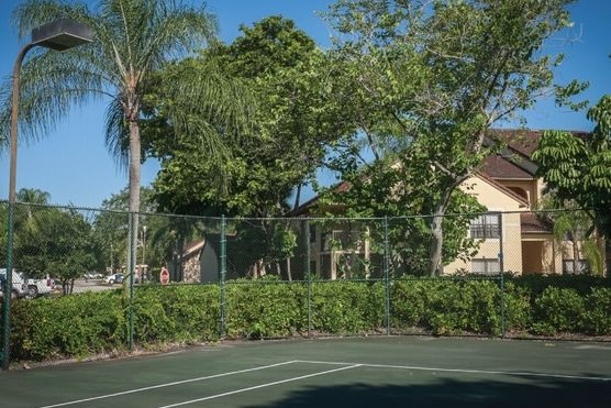 palm aire gardens gated condo community 980 sqfts 2 bedrooms 2 baths and living room price 120000 at 4441 w mcnab rd pompano beach fl - Palm Aire Garden