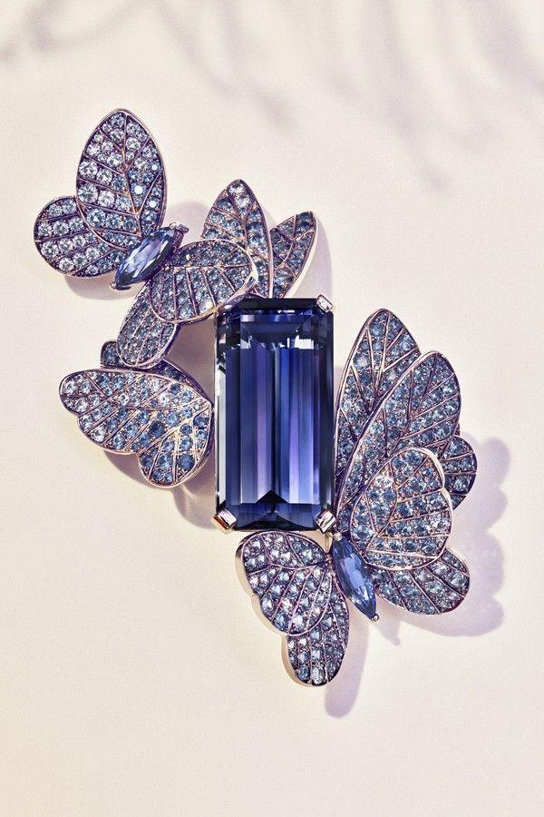 3c27a0a5775 As clássicas borboletas da Tiffany aparecem na linha Summer do Blue Book  2018 (Foto