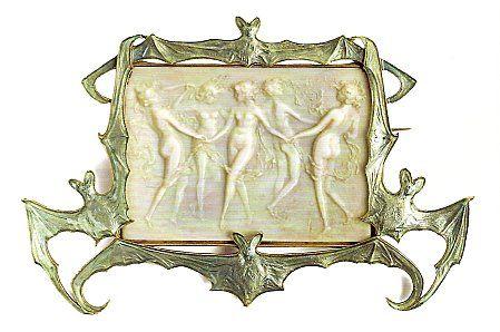 René Lalique broche nymphes et chauves-souris