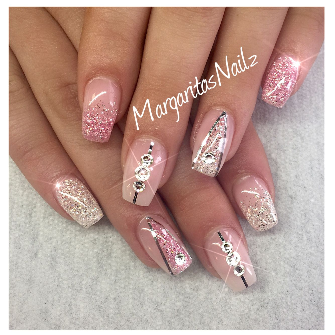Diamond and pink diamond | Nails | Art | Sexy Hands | Pinterest ...