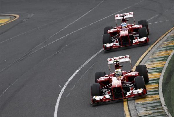 Ferrari-cars in race - 2013 Australian GP