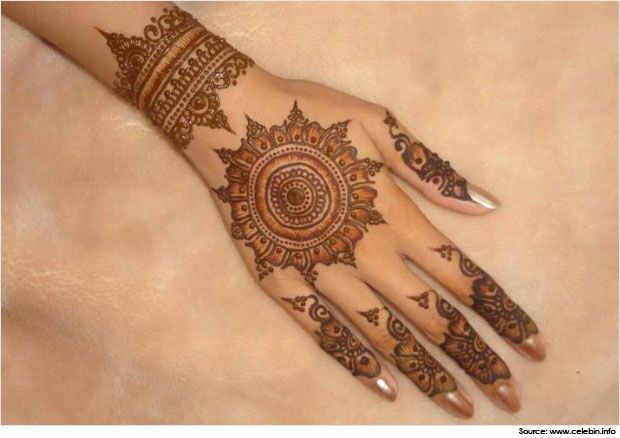 Desenhos Mehndi Significado : Traditional and simple round mehndi designs metal beauty