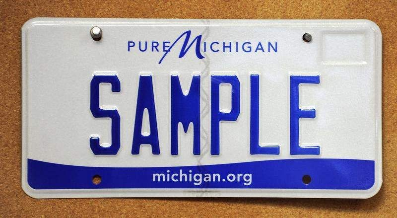 Senate OKs bill requiring drivers to get new license plates every 10 years
