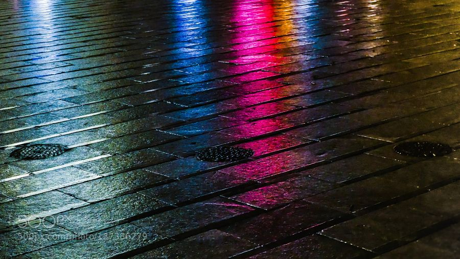 The sensuality of a wet sidewalk at night by tosnic2002