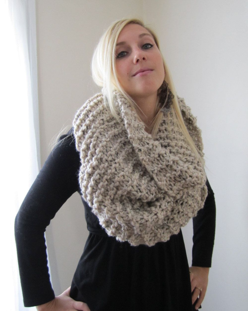 Super Snuggly Chunky knit cowl Oatmeal Infinity scarf