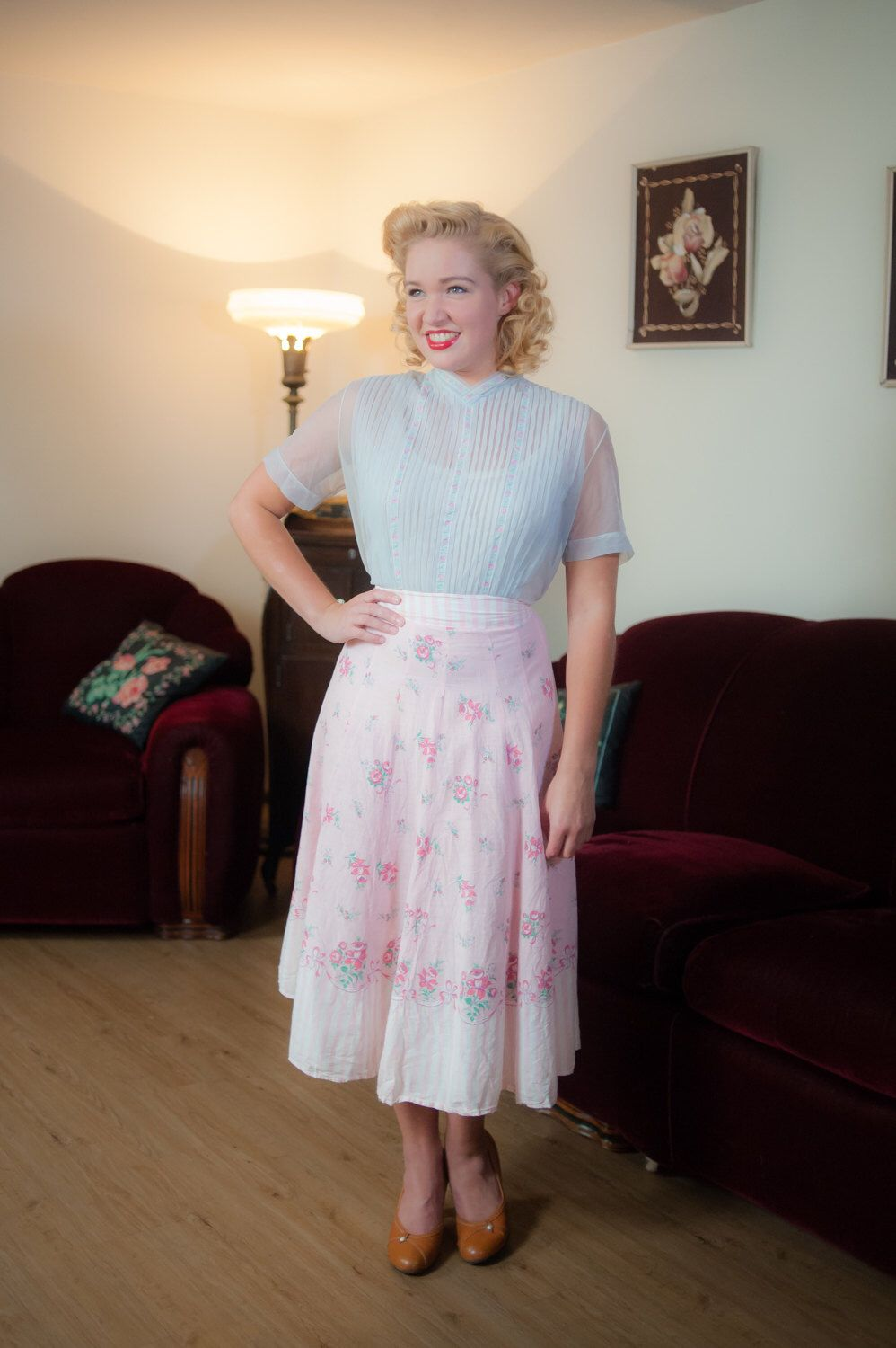 Vintage 1940s Skirt - Sweet Pink and White Floral and Ribbons Border Print A Line 40s Skirt by FabGabs on Etsy https://www.etsy.com/ca/listing/399203803/vintage-1940s-skirt-sweet-pink-and-white