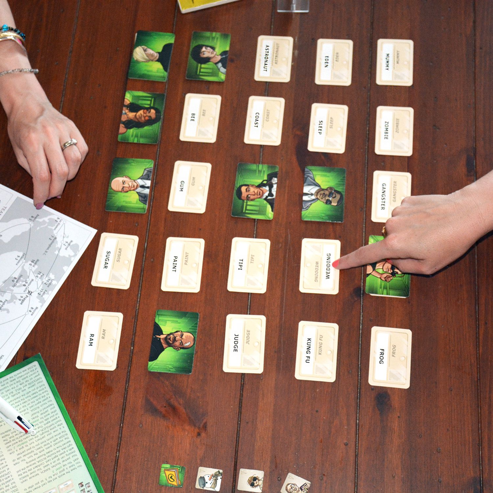 Codenames Duet Review Card marking, Cooperative games