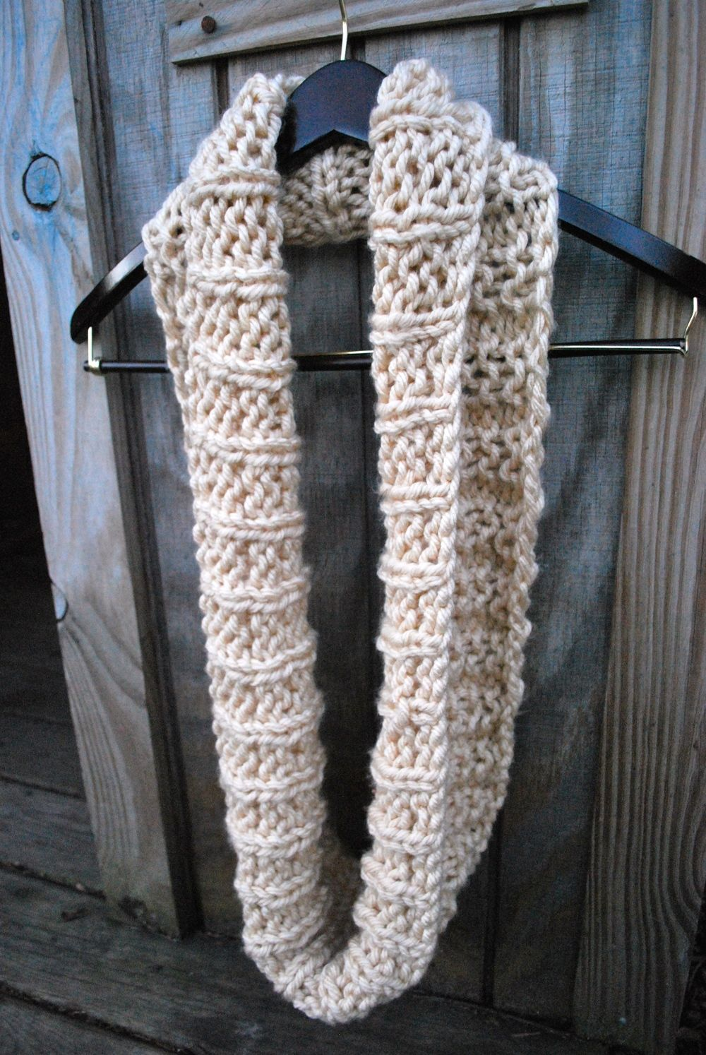 Infinity scarf, in the round and flat directions | Yarn Projects ...