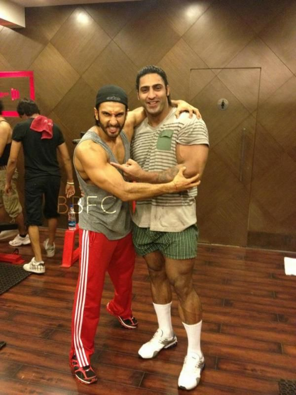 Unseen pic of Ranveer Singh with his trainer Varinder ...