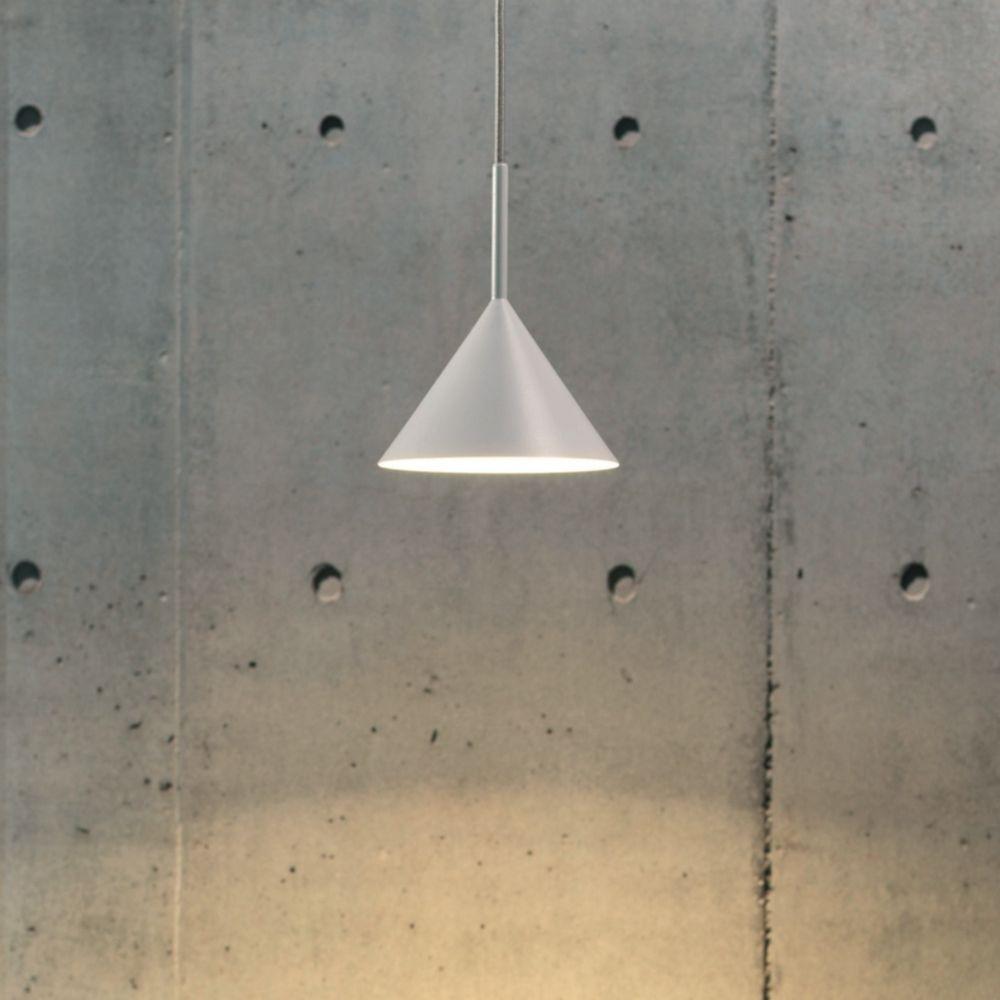 Funnel Mini Pendelleuchte Schlichte Pendelleuchte Bestens Geeignet Fur Stehtische In Bars Oder Bistros Pendelleuchte Design Leuchten Hangeleuchte