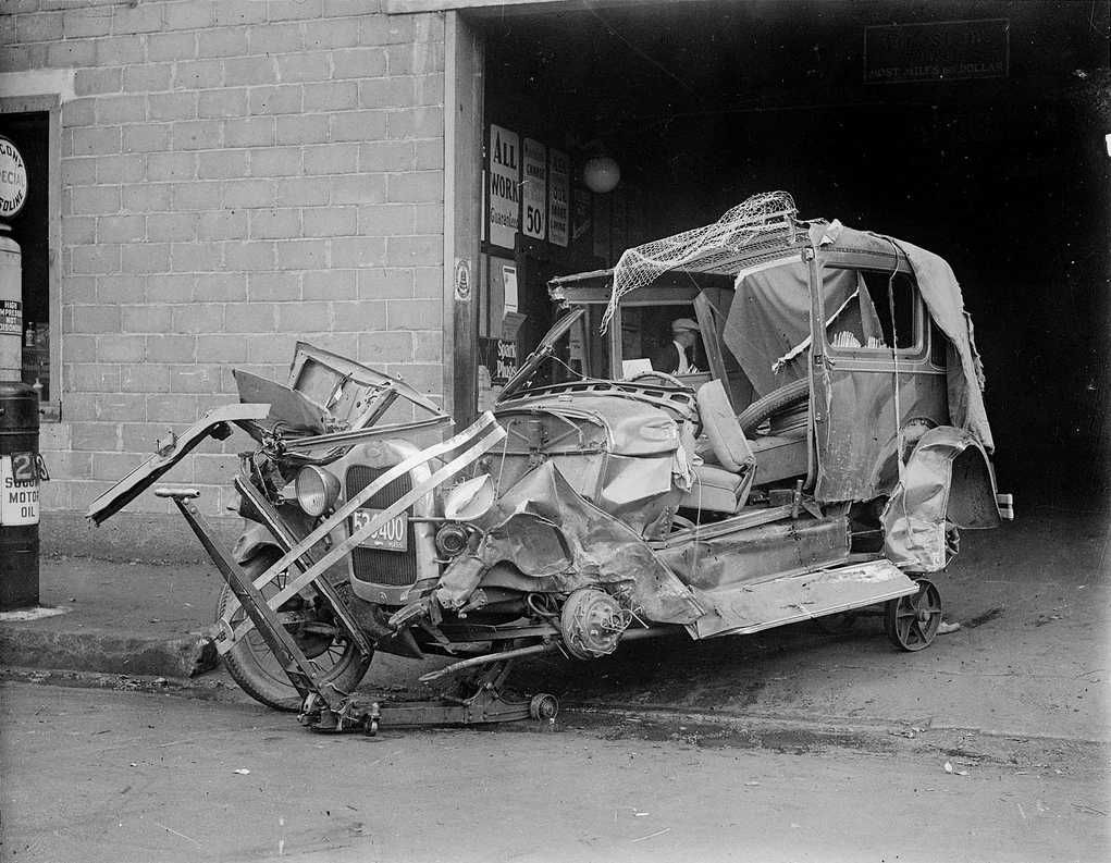 Early Car Wreck... | VINTAGE VEHICLES | Pinterest | Cars, Vehicle ...