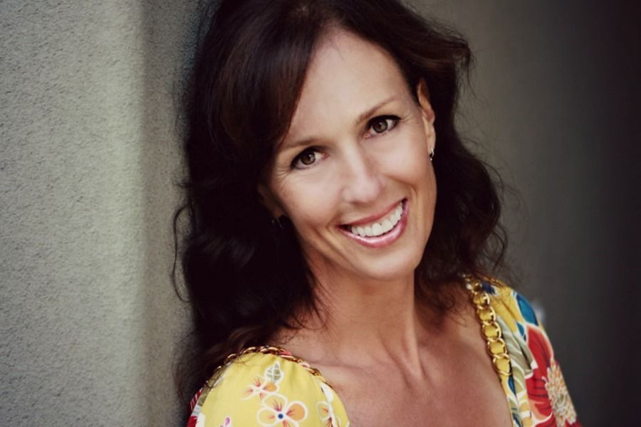 Anastasia Chopelas has spent the last 40 years as a research scientist and physics professor, and the last 20 as a healer using her extraordinary energy. She sits down with Gretchen Downey to discuss conscious parenting. Listen now!