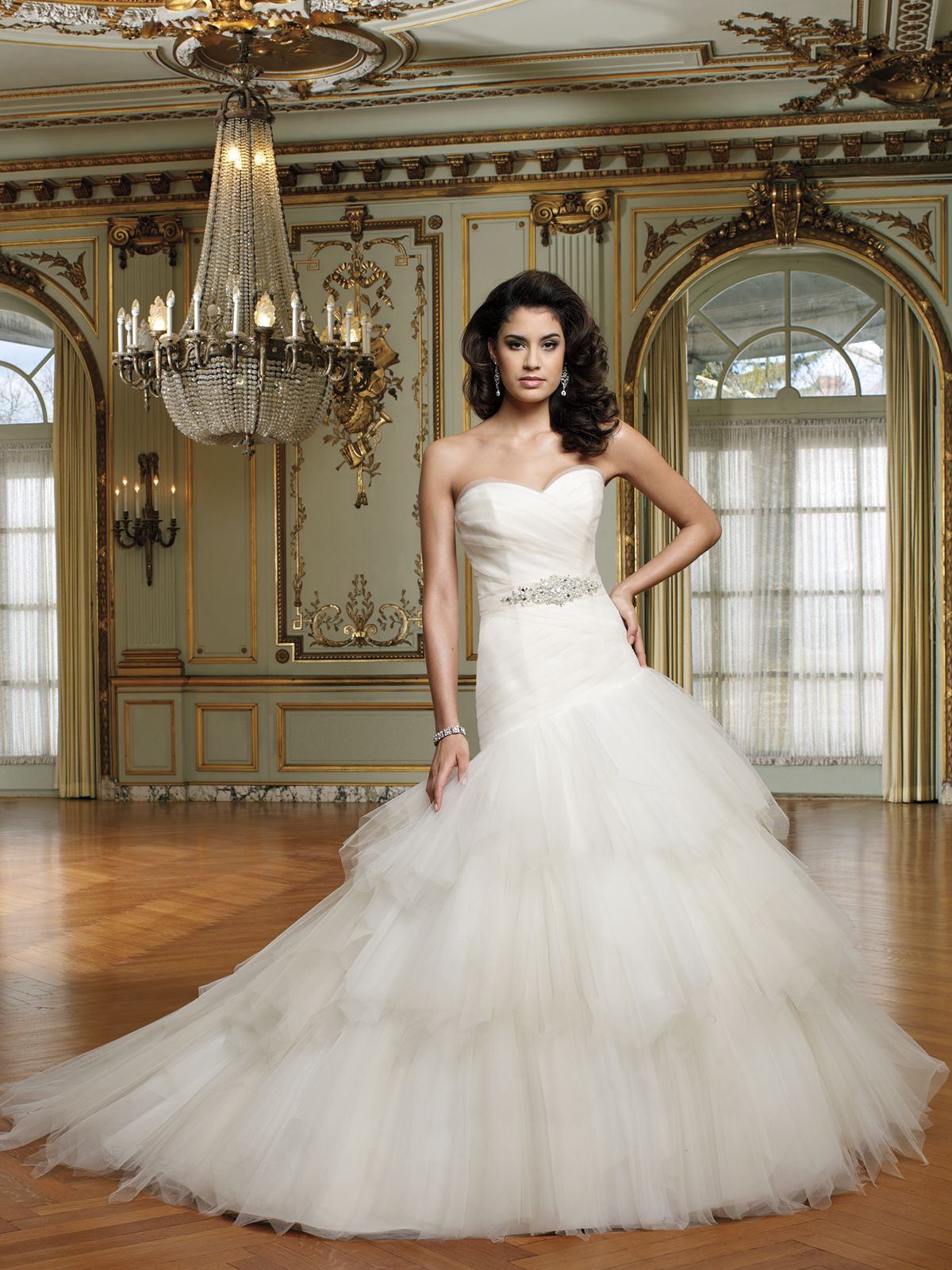 Strapless tulle ball gown with sweetheart neckline soft