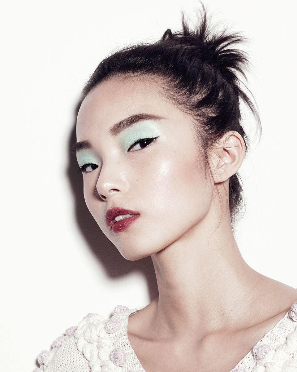 Gucci Westman's Best Summer Makeup Ideas From Bright Blush