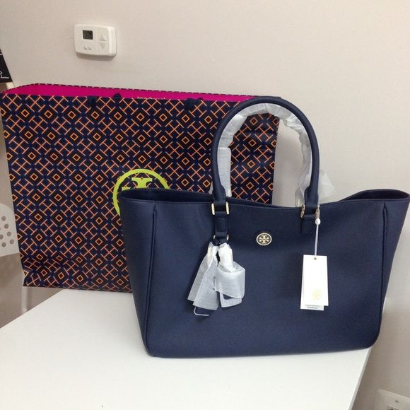 074c19583e90 Authentic Tory Burch Roslyn Navy Bag -100% Authentic Tory burch - Navy  Color - I can do  280 through paypal - Dimensions  19 11x5 Tory Burch Bags