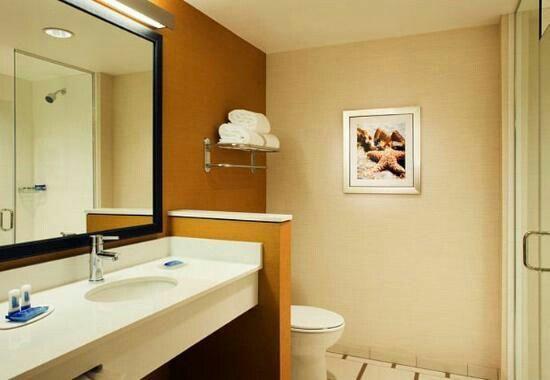 Bathroom White Quartz Vanitytop For Fairfield Inn And Suites