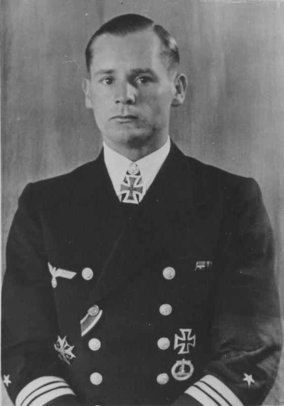 El comandante del submarino alemán U-46 el capitán, el teniente Engelbert Endrass