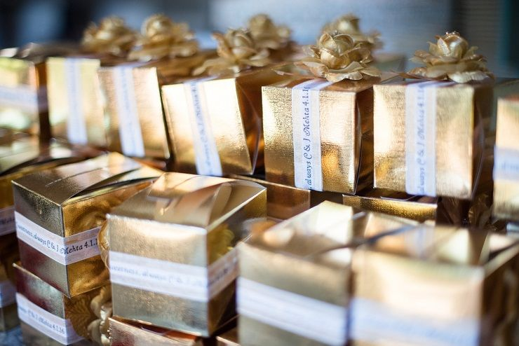 Gold Wedding favor boxes | itakeyou.co.uk