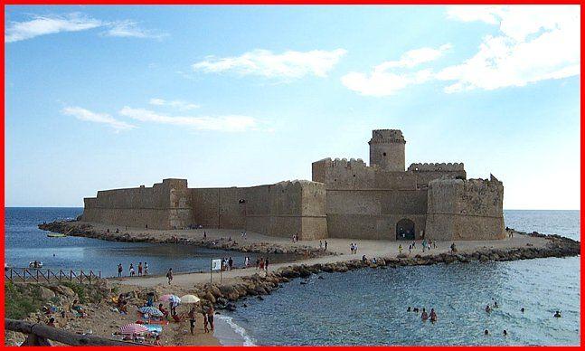Castelli della Calabria, a c. di Vito Bianchi, Le Castella