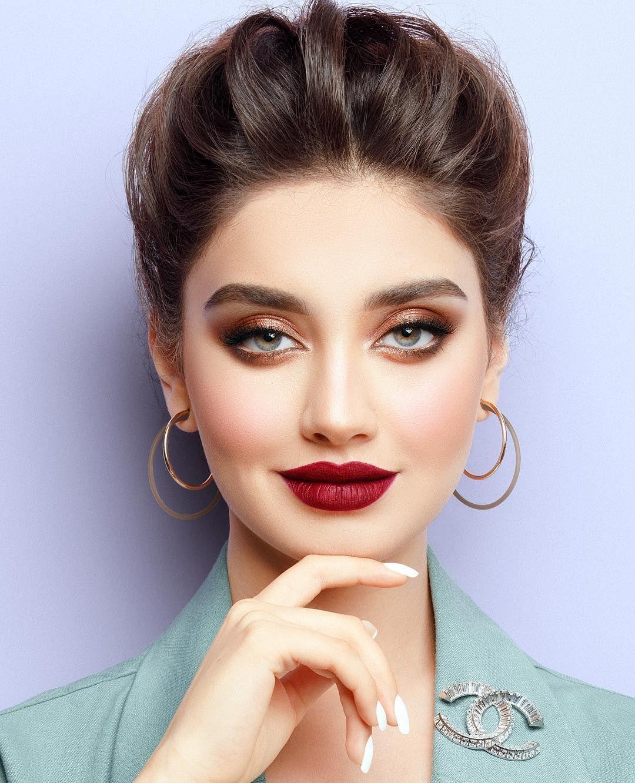 Nora Bo Awadh On Instagram Dark Flaming Nb ٠ Lashes Clear Band 2 Nb جا على بالي اسوي عيون دافيه Bridal Makeup Looks Eye Makeup Makeup Looks