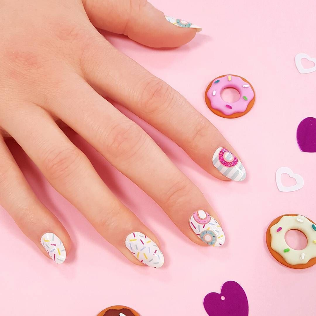 Treat Yourself Nails Are Here Find This Adorable Doughnut Nail Art