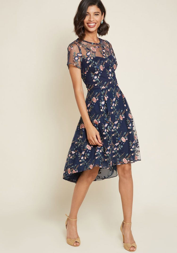 Elegant Princess-style Patchwork Puff Sleeve Lace Midi