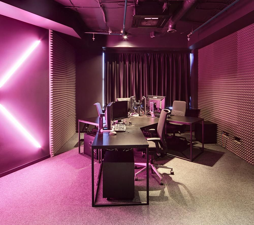 Dazzling Magenta Wall Color For Modern Office Interior What Are The Best  Wall Colors For Modern