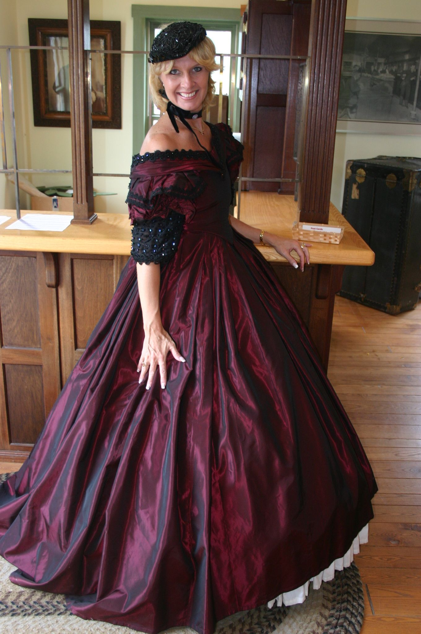 Crook Farm 2006 Formal Dresses Long Fashion Victorian Dress [ 2048 x 1360 Pixel ]
