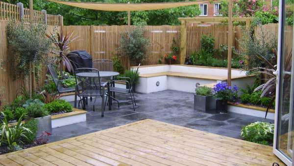 Paved garden area garden love pinterest for Paved courtyard garden ideas