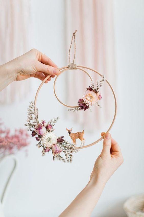 DIY Dekoration Hochzeit mit getrockneten Blumen und Strampeln # Dekoration Hochz…