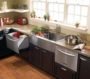 Efficiency! The dishwasher and refrigerator drawers as easily ...