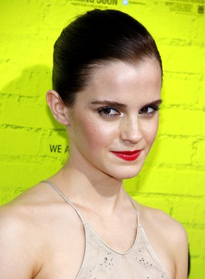 Diese super geschmeidige Frisur macht Emma Watsons mittelbraune goldene Frisur ...   - Brunettes -