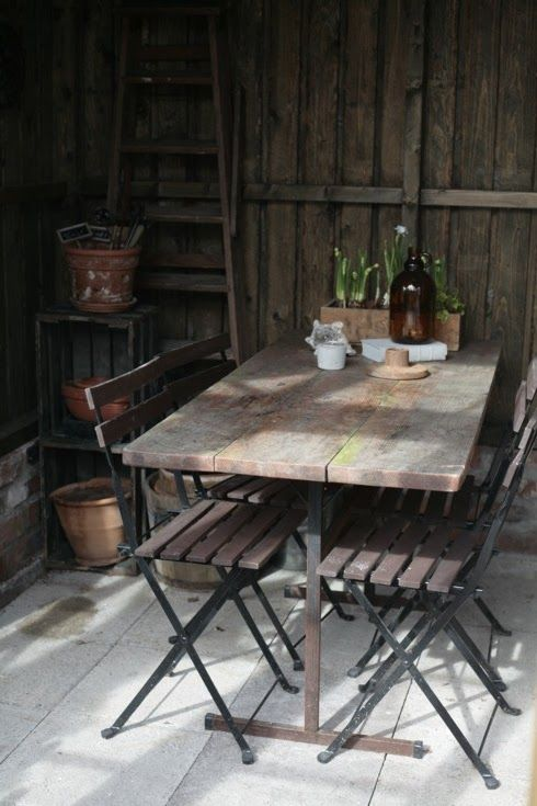 gardening shed: rustic with style