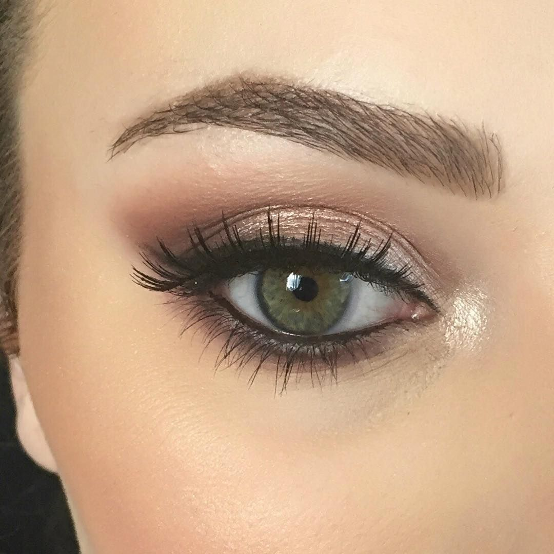Proof That Girls With Green Eyes Can Wear Every Eye Shadow