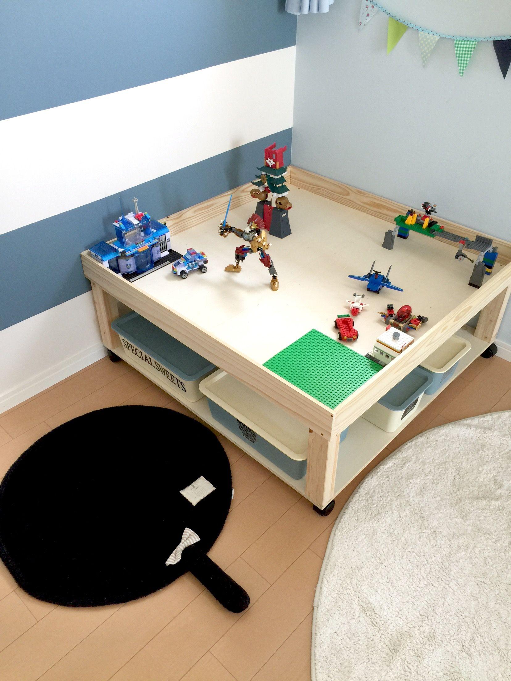 おもちゃの収納に プレイテーブル Diyレシピ プレイテーブル リビング キッズスペース インテリア 収納