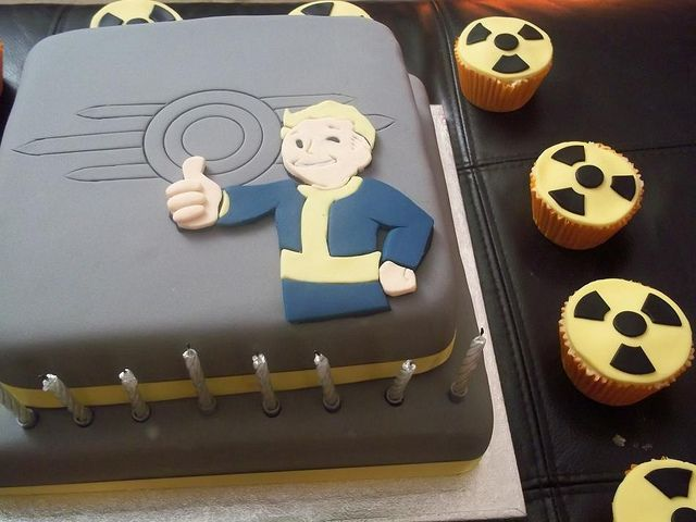 Fallout Cake For Dale S 30th Video Game Cakes Fallout Monster