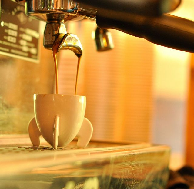 Rocket Espresso Cup – awesome ceramic cup made w/ 3d printer.