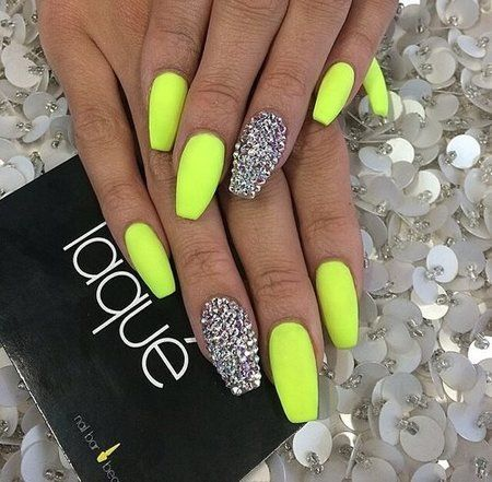 Amazing Ideas To Manicure Short Nails With Images Coffin Shape