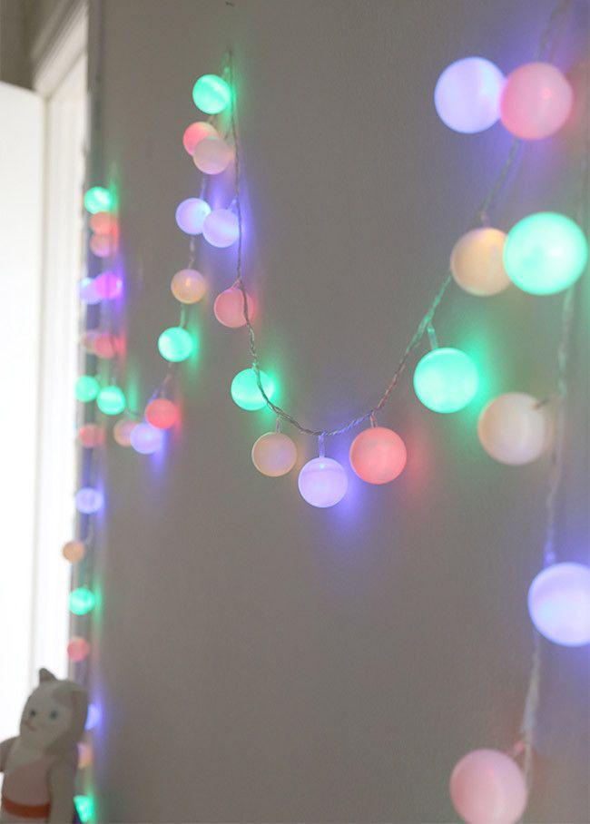 hazlo t mismo guirnalda de luces led con pelotas de ping pong decoesfera