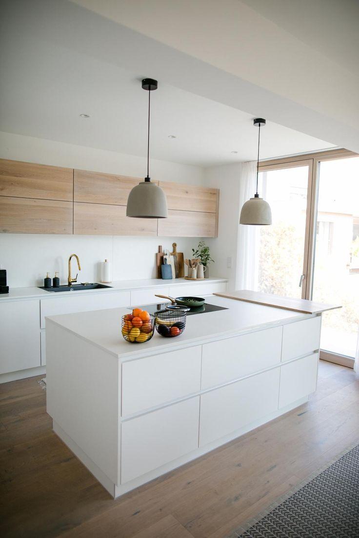 Die Küche ist unser zentraler Lebensmittelpunkt im ...