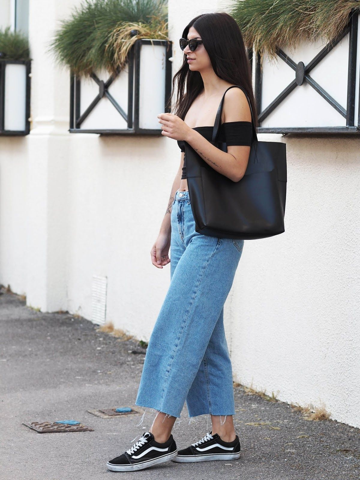 2d6f27fbda4 90s Vibes - The Cropped Wide Leg Jeans You Need | Stuff to buy in ...