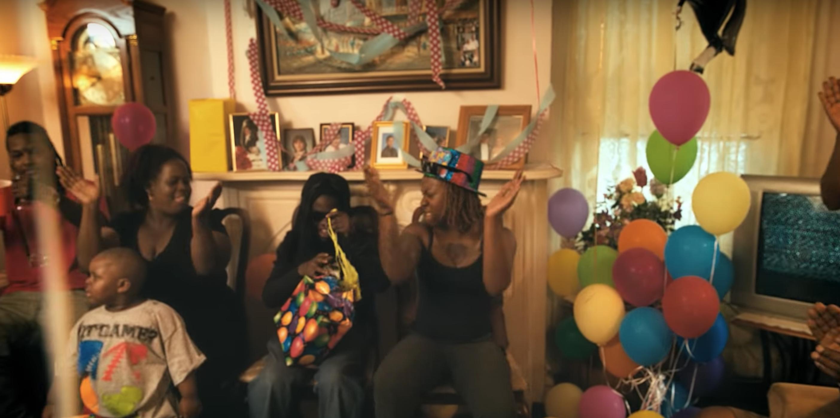 2 Chainz Birthday Video Birthday Gif Color Themes Accessory Inspiration